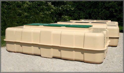 Large Fabricated Fiberglass Tanks (5000 Gallon Capacity)